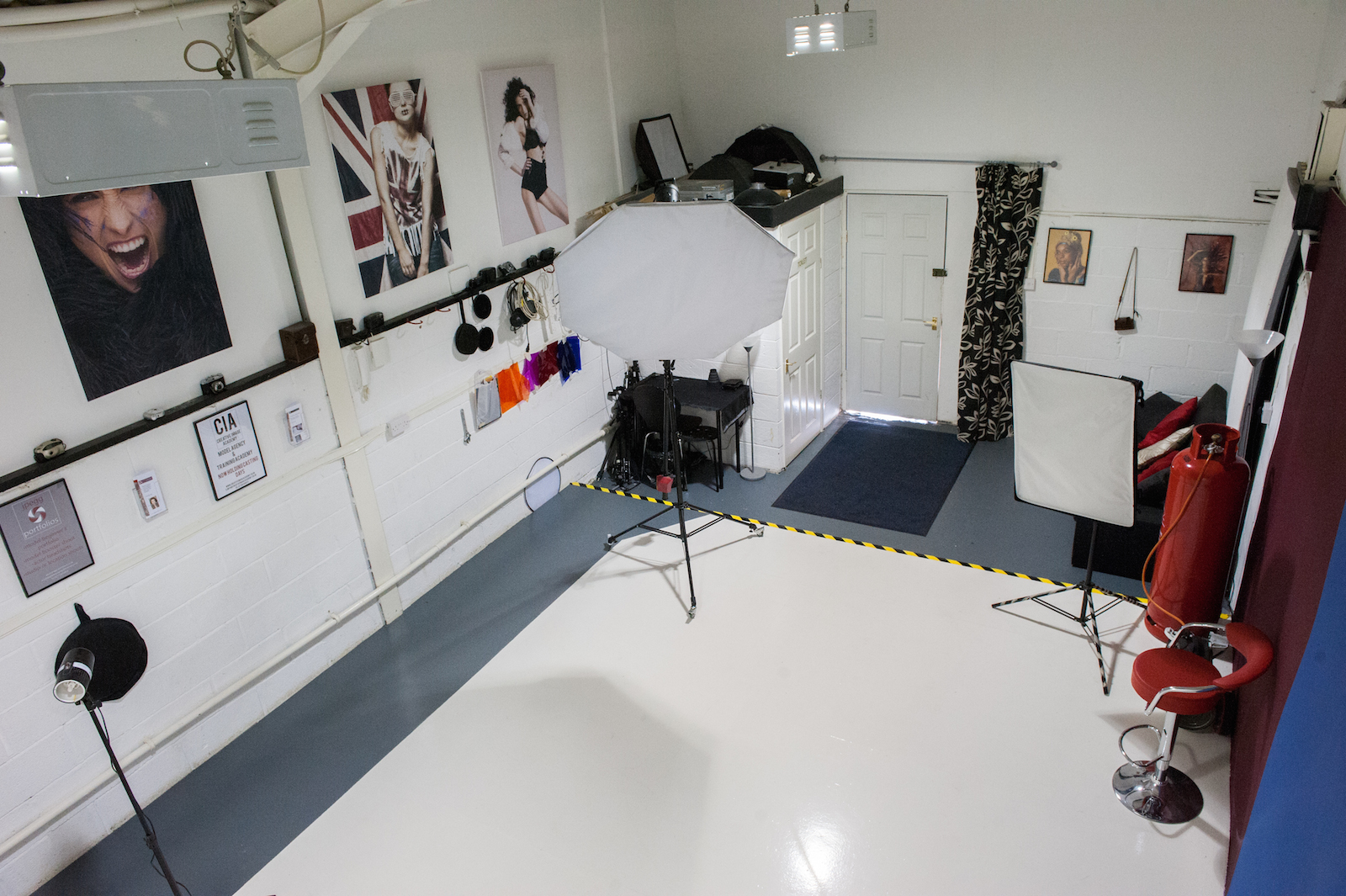 Photographic studio hire, model casting Creative Image